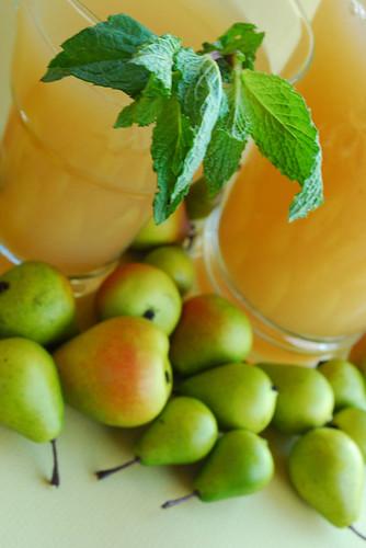 Sugared Pear & Meyer Lemonade