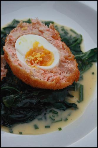 6724426421 39dab4733f Scotch egg au saumon, sauce au beurre blanc