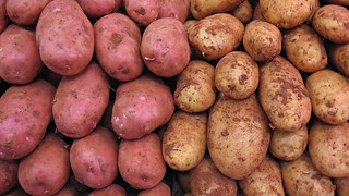 Kuva Central Market lähellä Valencia. food potatoes market widescreen vegetable potato 169 pointshoot patata mercadocentraldevalencia