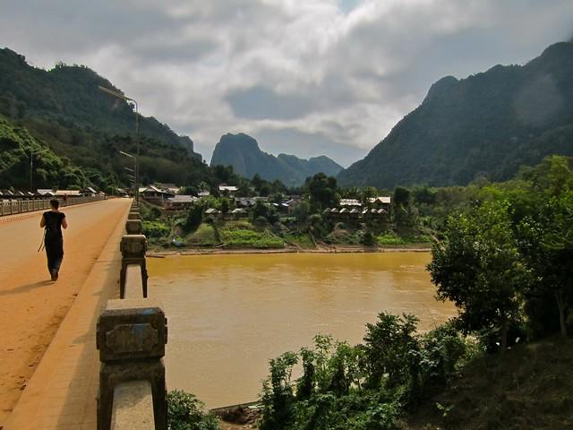 Nong Kiaw, Laos