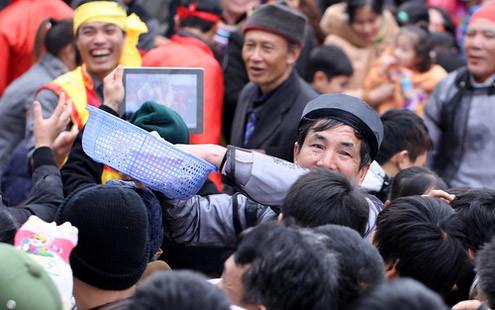 6794336363 d96574f59e Lễ hội Chạy lợn ở Hà Nội Nóng bừng 3 phút mổ lợn khao quân