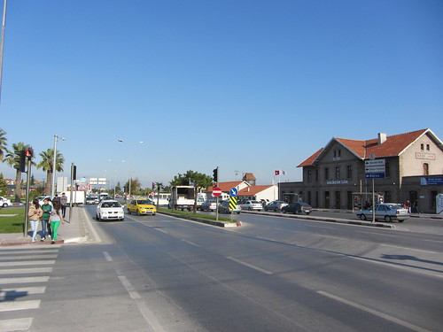 Balikesir: Square in front of the train station (6)