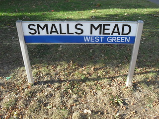 Classic Crawley street sign – Smalls Mead, West Green
