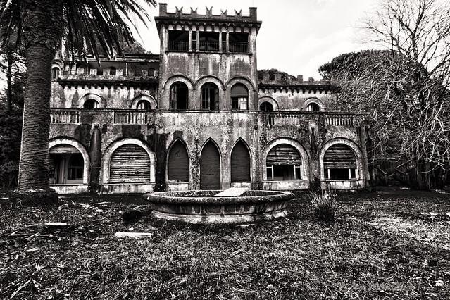 Villa rodriguez villa abbandonata nei boschi peloritani for Case moderne nei boschi