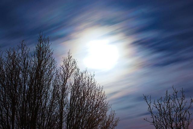 Cloudy full moon 55mm 30sec