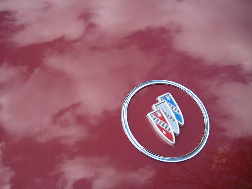 Logo on 1960 Buick Invicta