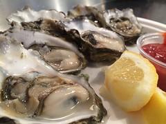 牡蠣を食べるときは、ビタミンCと一緒に!