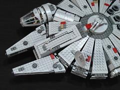 7965 Millennium Falcon Review: mandibles