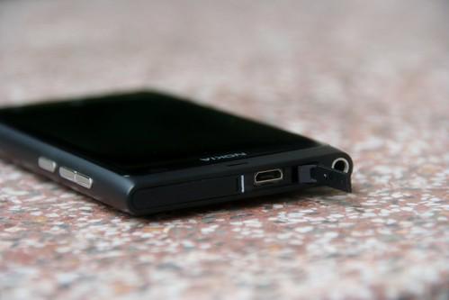 Lumia 800 - USB Port