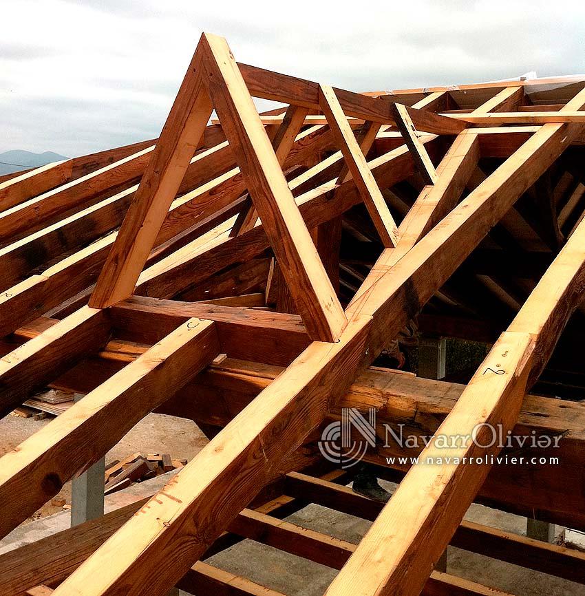 Navarrolivier estructuras de madera pergolas y 39 s most for Imagenes de tejados de madera