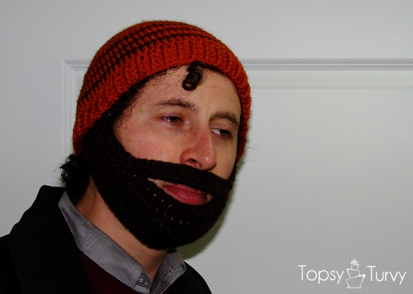 crochet-beard-striped-beanie-hat