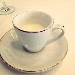 espresso(0.0), dishware(1.0), serveware(1.0), cup(1.0), saucer(1.0), coffee cup(1.0), drink(1.0), porcelain(1.0),