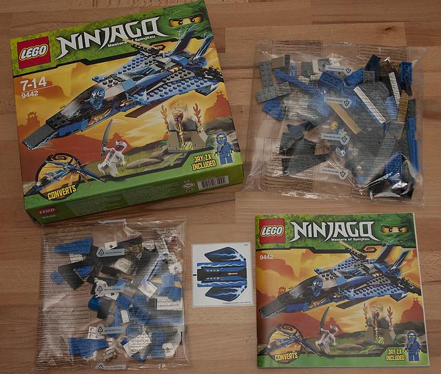 LEGO NinjaGo 9442 - Inside