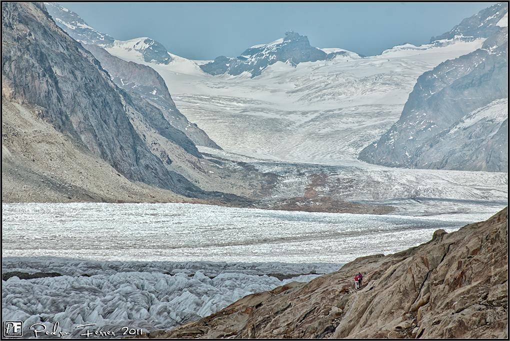 Suiza - Las Montañas - La plaza de la concordia bajo el Jungfrau