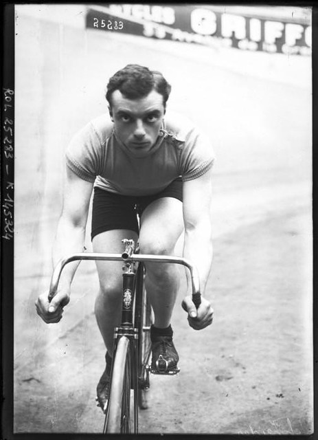 Portrait-Photo-Male-bicyclist-photo