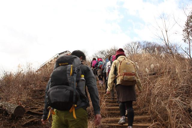 景信山山頂へ