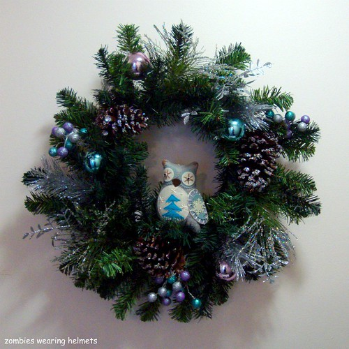 owl in a wreath