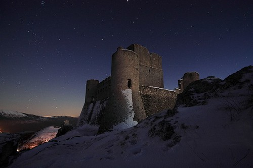winter snow ice night stars nightscape fort neve neige abruzzo laquila roccacalascio medievalfortress flickraward tamronspaf1024mmf3545diiildasphericalif flickraward5 flickrawardgallery