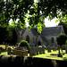 tipica chiesa con cimitero