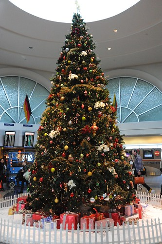 Christmas Tree @ LAX