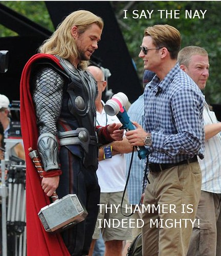 thor-chris-evans-avengers-set[1]