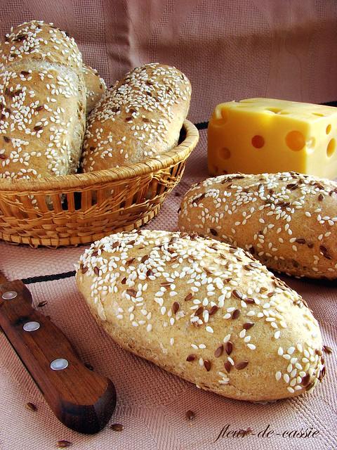 булочки пшенично-ржаные с семенами 2