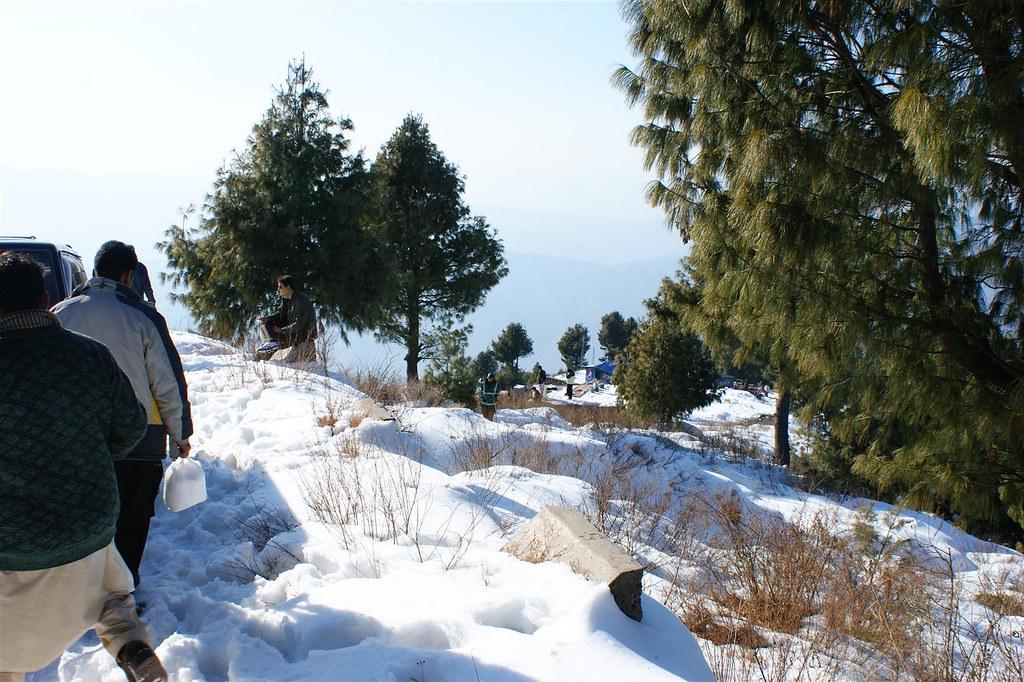 Muzaffarabad Jeep Club Snow Cross 2012 - 6796499889 d176a1c538 b