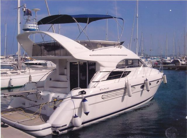 Fairline Phantom 42, 1999 model year for owners looking for a practical fly ...