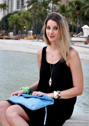 sunny in hawaii, niki blasina relaxes by the ocean, author, haute mess