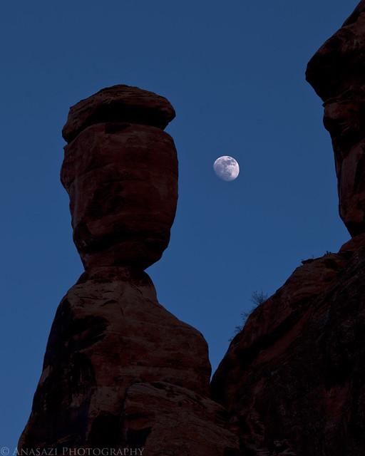 Balance Rock & Moon II