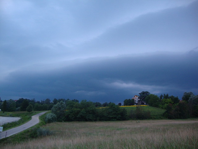 Shelf_cloud_1