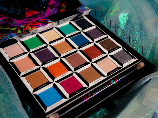 Urban Decay Alice Through The Looking Glass Review (3 of 8)