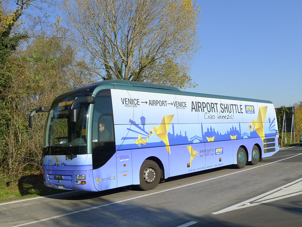 CY699SW Venice Airport Shuttle | Airport shuttle coach in Me