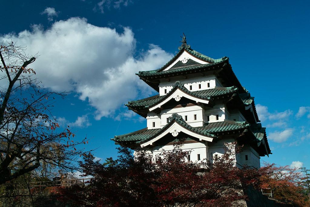 Hirosaki-jo in the sky (Hirosaki, Aomori, Japan)