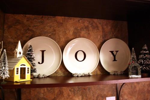 christmas-joy-plates