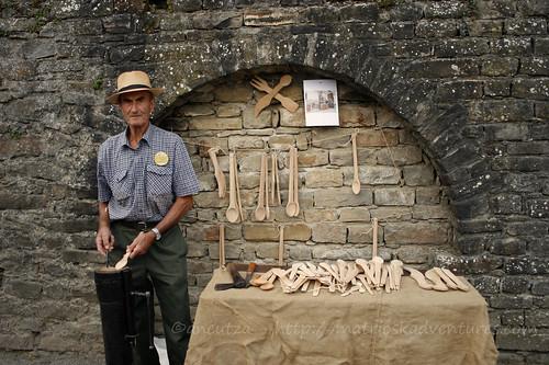 foto ritratto artigiano del legno