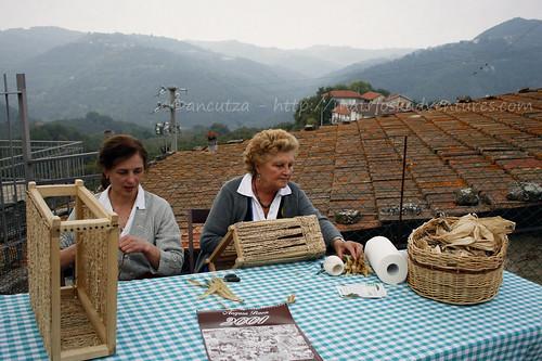 immagini sagra nocciola cravanzana piemonte italia