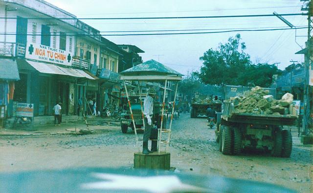 Quang Ngai 1971 - Traffic cop