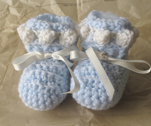 Baby Booties by gaydenesse