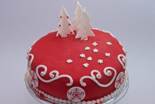 Tort czekoladowy z całymi wiśniami z kremem waniliowym by CupcakeLovePL