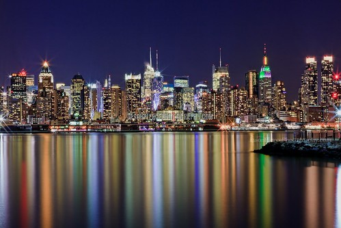 NYC Skyline with super smooth rainbow reflections