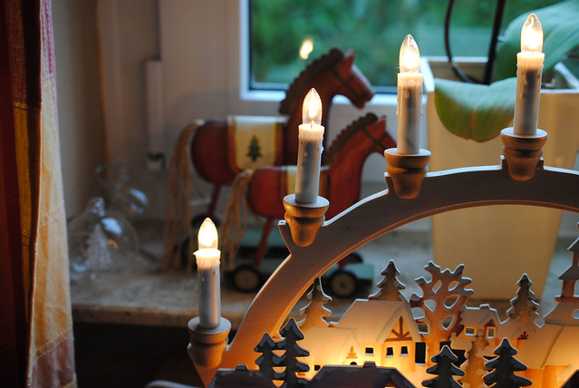 candlelight in window2