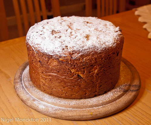 1000/681: 24 Dec 2011: My first panettone by nmonckton