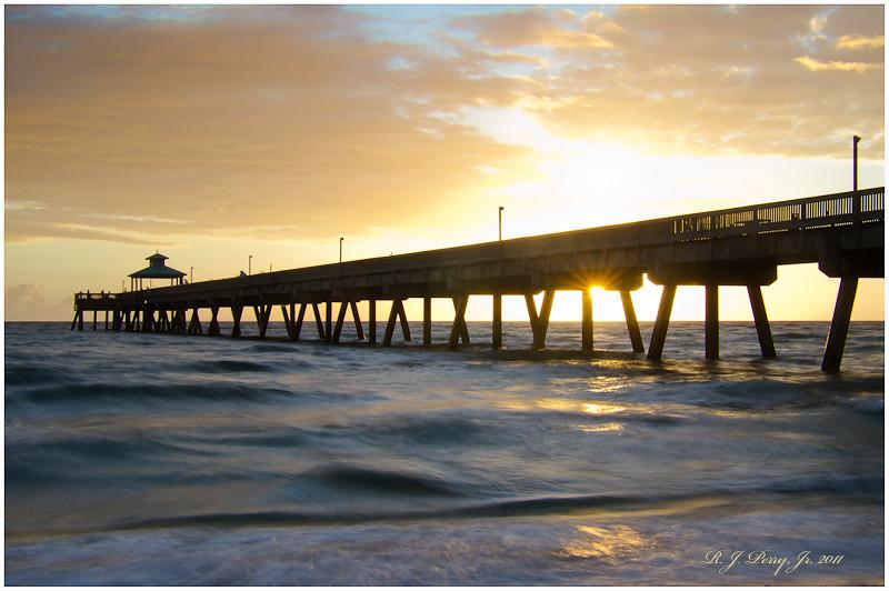 Deerfield, FL pier.jpg