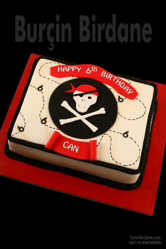 Korsan temalı doğum günü pastası
