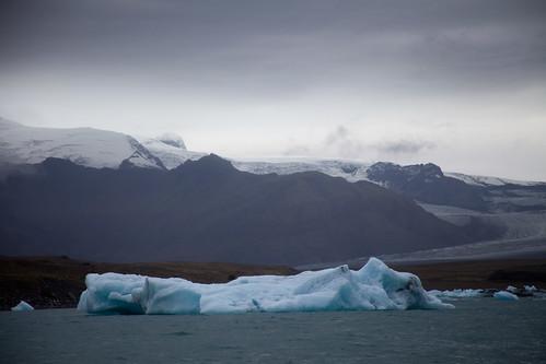 Jökulsárlón glacial lagoon in southeastern Iceland near Vatnajökull National Park