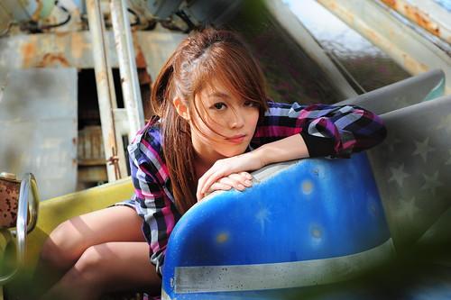 [フリー画像素材] 人物, 女性 - アジア, 台湾人, 女性 - 座る ID:201201122200