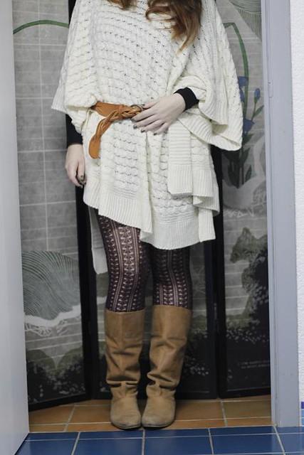Tenue du jour : le pull cape poncho