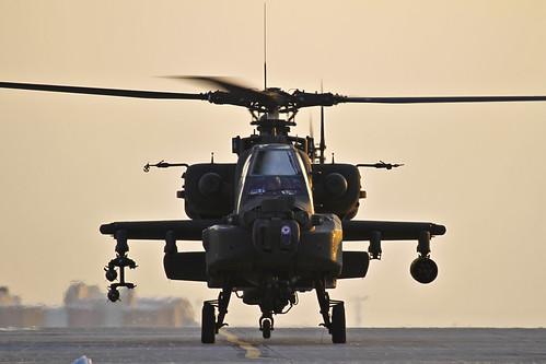 [フリー画像素材] 戦争, 軍用機, ヘリコプター, AH-64 アパッチ, アメリカ軍 ID:201201110000