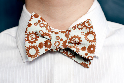 brown and white beau tie from Marimacho